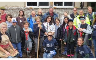 Students and Ports Toronto staff work together at the Island Natural Science School